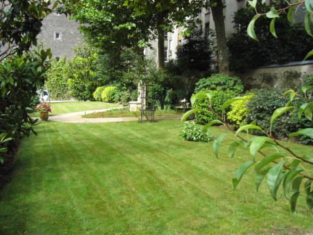 L 39 espace vert jardinier paysagiste paris boulogne for Paysagiste boulogne billancourt